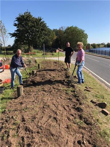 - Planting 600 Daffodil Bulbs along the bank at the Fisherman's Car Park in September 2019